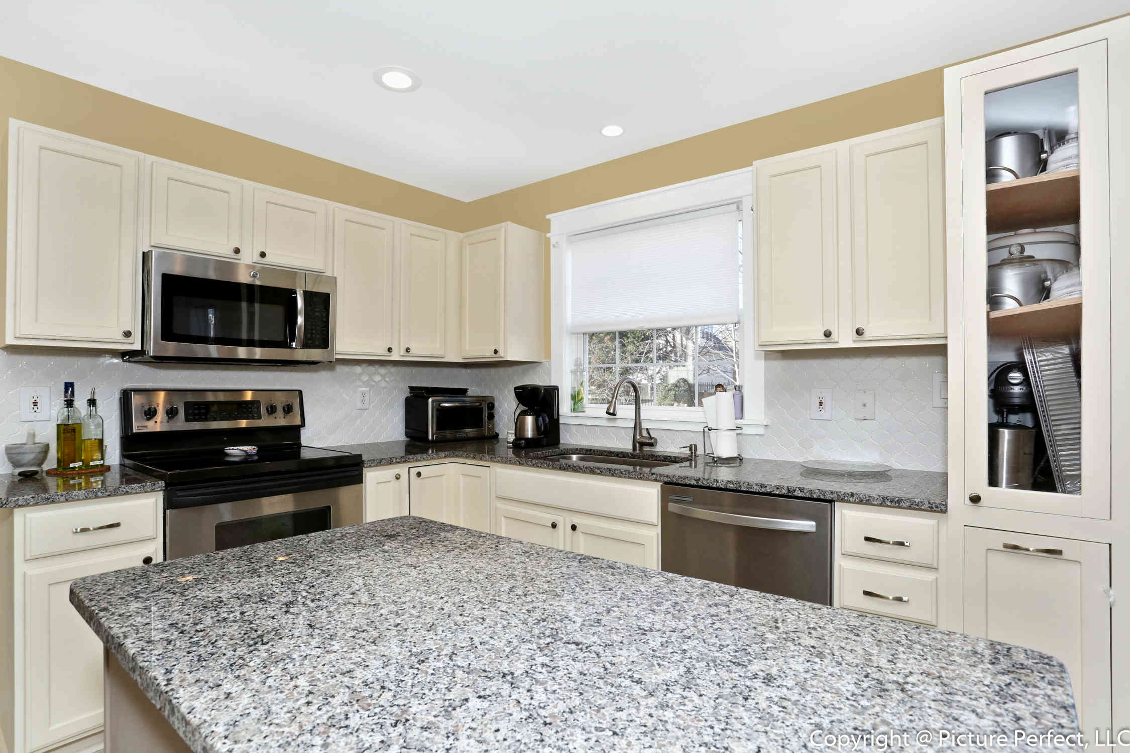 Kitchen remodeling in washington dc bethesda md for Kitchen remodeling companies